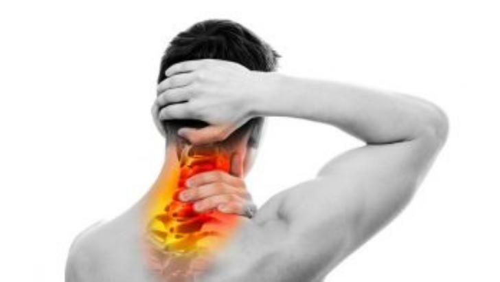 نتناول في هذا المقال علاج صداع الراس من الخلف مع ذكر سبعة أسباب الألم في مؤخرة الرأس الأكثر شيوعا و اعراض وجع الراس من الخلف.